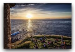 EXPECTACIÓN. (manxelalvarez) Tags: expectación solpor pordosol atardecer litoral costa marinas mar nubes cielos paisajes salvador bahia brasil