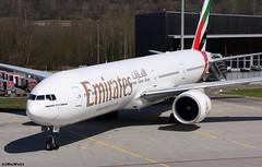 Emirates Boeing 777-31H(ER) A6-ECF / ZRH (RuWe71) Tags: emiratesairline emirates ekuae unitedarabemirates dubai boeing boeing777 b777 b773 b777300 b777300er boeing777300 boeing777300er boeing77731her triple7 a6ecf cn55574690 zurichairport zurichklotenairport zürichkloten flughafenzürich lszh zrh planes airport aviation spotter aéroport aéronefs avions engines ramp sunshine flugzeug flughafen spotting airliner aeroplane jetliner jet vliegtuig luchthaven planespotting civilaviation twinjet widebody heavy aeropuerto aviónes planespotter aviationphotography avgeek ruwe71 canon canonaviation