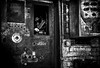 Compte à rebours... / Countdown... (vedebe) Tags: noiretblanc netb nb bw monochrome main abandonné usine usinedésaffectée decay urbex urbain ville city street rue travail
