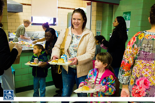 "2017 Lincoln Serves Thanksgiving Meal • <a style=""font-size:0.8em;"" href=""http://www.flickr.com/photos/150790682@N02/37830346954/"" target=""_blank"">View on Flickr</a>"