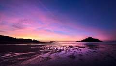 Mount's Bay Dawn (Andrew Hocking Photography) Tags: stmichaelsmount mountsbay sunrise dawn marazion cornwall landscape seascape colour sky shilouette