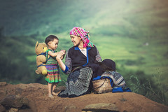 SSS_7318 (Bugphai ;-)) Tags: vietnam mother people sapa poor child rice travel asian daughter lao woman working green hmong chai mu cang black texture yellow plant landscape love life culture curve field agriculture asia rural mountain farm national china harvest hard valley tribal farmer poverty minority cambodia paddy delta terraces hilltribe hani giang laos