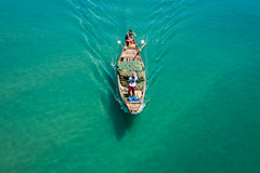 IMG_0934 (Brett Kotch.) Tags: water ocean blue turquoise boat sea minimal travel tourist tourism vietnam vietnamese day outdoors canon fullframe dof explore flickr lifestyle real beauty simple photography