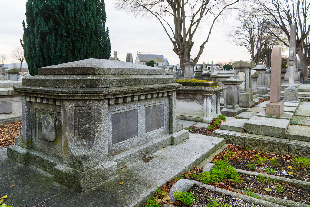 MOUNT JEROME CEMETERY IS AN INTERESTING PLACE TO VISIT [IT CLOSES AT 4PM]-134323
