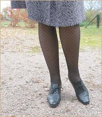2017 - 11 - Karoll  - 151 (Karoll le bihan) Tags: escarpins shoes stilettos heels chaussures pumps schuhe stöckelschuh pantyhose highheel collants bas strumpfhosen talonshauts highheels stockings tights