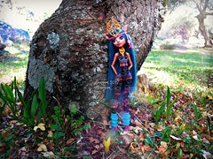 (Linayum) Tags: isidawndancer mh monsterhigh monster mattel doll dolls muñeca muñecas toys juguetes bosque nature naturaleza green linayum tree árbol