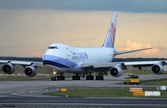 China Airlines Cargo Boeing 747-409F B-18709 / FRA (RuWe71) Tags: chinaairlinescargo chinaairlines cical dynasty taiwan taipei boeing boeing747 boeing747f b747 b747f b747400 b747400f boeing747400 boeing747400f b18709 boeing747409f cn307661294 frankfurtmain frankfurtammain frankfurtrheinmain frankfurtrheinmainairport flughafenfrankfurt fra eddf fraport widebody cargo freighter jumbo sunset dusk