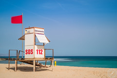 S.O.S (Stephan Strange Photography) Tags: laoliva canarias spanien es sos help livegoarf lifeguard baywatsch beech watch watschtower save saving fuerteventura canary canaryislands canaries corallejo spain beach beaches travel summer red flag danger dangerzone swimming swim protect