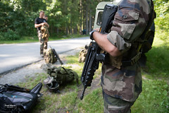 France - defense and army - Mountain soldiers (Fred Marie Photographer) Tags: armée chamonix guerre mountain randonnée alpes alps arme commando défense ecole ecolemilitaire emhm famas froid fusil gun militaire military montagne polaire snow soldat soldiers specialforces summer uniforme war weapon auvergnerhônealpes france fra