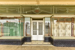 Boort VIC (phunnyfotos) Tags: phunnyfotos australia victoria vic boort countrytown shop shopfront cafe sign typography font lettering writing text window display closed tiling tiles doors deco artdeco nikon d750 nikond750 pressedtin building artdecoglass