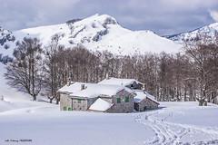 Refugio de Egiriñao (Jabi Artaraz) Tags: jabiartaraz jartaraz zb euskoflickr egiriñao montaña refugio aterpetxea elurra nieve invierno winter nature