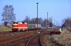 72273 by 220 051 - 219 198, Neugarten, Zug 4646, 14.04.1995.