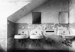 I have lost a piece of myself... (repete7) Tags: weston westvirginia unitedstates us transalleghenylunaticasylum decay abandoned sinks westonstatehospital canon6dmarkii canon6d2 canon1635f4l niksilverefexpro blackandwhite bw