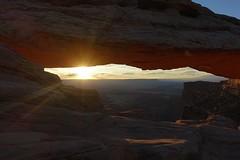 Mesa Arch (Sean Munson) Tags: canyonlandsnationalpark canyonlands nationalpark dawn mesaarch arch utah sunrise sun islandinthesky