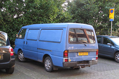 1997 Mazda E2200 (rvandermaar) Tags: 1997 mazda e2200 mazdae2200 eseries bongo mazdabongo mazdae sidecode5 grijskenteken vpzd37 rvdm