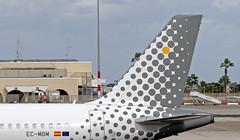 EC-MBM LMML 13-11-2017 (Burmarrad (Mark) Camenzuli) Tags: airline vueling airlines aircraft airbus a320214 registration ecmbm cn 4463 lmml 13112017