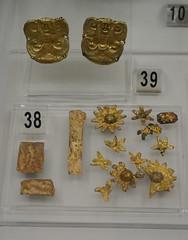 Rome, Italy - Villa Giulia (Etruscan Museum) - Gold Jewelry (jrozwado) Tags: europe italy italia rome roma villagiulia museum archaeology etruscan gold jewelry