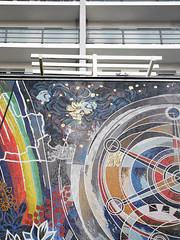 Die Farben. / 27.11.2017 (ben.kaden) Tags: berlin marzahn marzahnerpromenade walterwomacka arbeitfürdasglückdesmenschen detail mosaik kunstderddr kunstimöffentlichenraum kunstambau kunstimstadtraum 1989 2017 27112017 architekturderddr ostmoderne