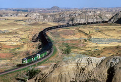 Badland green (Moffat Road) Tags: 9251 burlingtonnorthern bn emd sd60m train railroad locomotive curve coaltrain unittrain badlands sullysprings northdakota milepost143 nd