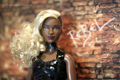 rebel rebel 2 (photos4dreams) Tags: dolls11112017p4d barbie mattel doll toy diorama photos4dreams p4d photos4dreamz barbies girl play fashion fashionistas outfit kleider mode puppenstube tabletopphotography aa beauties beautiful girls women ladies damen weiblich female funky afroamerican afro schnitt hair haare afrolook darkskin africanamerican canoneos5dmark3 normal body april wellrounded curvy dvx79