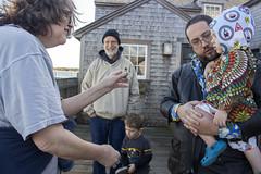 Showing the kids what's in the shell (quinn.anya) Tags: mary shell sam andy tom dziadzi busia preschooler dock marthasvineyard edgartown