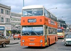 Graham, Paisley: D32 (OJD137R) in Paisley High Street (Mega Anorak) Tags: bus leyland fleetline fe30agr parkroyal graham paisley londontransport dms