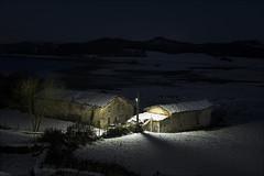 Nanclares de Gamboa (Jose Cantorna) Tags: nanclaresdegamboa paísvasco basquecountry euskadi nikon d610 pantano casa nieve snow