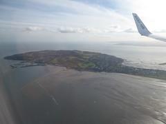 Howth Head below (seikinsou) Tags: england autumn ryanair airplane aeroplane flight luton dublin ireland wing windowseat howth harbour visibility