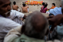 Dead body waiting for cremation (puuuuuuuuce) Tags: india varanasi grieving corpse deadbody cremation