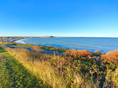 Far, far, away... (brooksbos) Tags: brooks brooksbos winthrop massachusetts newengland deerisland seascape landscape beauty beautiful nature lg g6 smartphone android geotagged beach waves