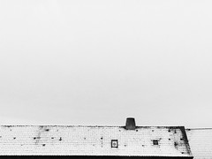 ❄️ (Rusnius) Tags: minimalism minimal minimalistic phonephotography phonegraphy architecture building house roof rooftop snow winter negativespace blackandwhite monochrome denmark shape details
