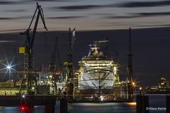 Blohm & Voss - 13111701 (Klaus Kehrls) Tags: hamburg hamburgerhafen blohmvoss werft industrie schiffe elbe nachtaufnahme