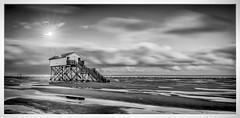 moonlight beach bl&wh (juhwie.foto - PROJECT: LEIDENSCHAFT-LICH-T) Tags: moon moonlight fullmoon beach strand spo sanktpeterording nordsee nordseesehnsucht pfahlbau stilts beautifulgermany pano panoramic bw blackandwhite blackwhite monochrome clouds pentax pentaxart ngc ricohimaging k1 1530