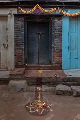 Bhaktapur, Népal (Pascale Jaquet & Olivier Noaillon) Tags: lampesàhuile offrandes religionhindouisme fêtedetihar rangoli bhaktapur valléedekatmandou népal npl