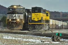Frost bite (Arkangel Productions) Tags: norfolk southern ns tier line binghamton ny nysw sd40t2 3014
