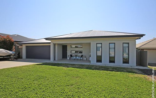 54 Barrima Drive, Glenfield Park NSW
