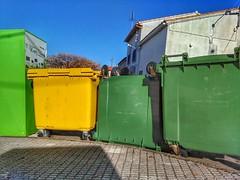 Incógnita 2 (La nesto de la lango) Tags: único original diferente contenedor basura mirabel