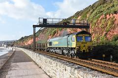 66511 (Teignstu) Tags: dawlish devon railway seawall freightliner class66 66511