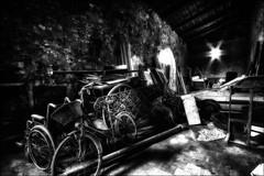Choix du moyen de transport.../ Choice of conveyance (vedebe) Tags: abandonné voitures velo noiretblanc netb nb bw monochrome decay grenier lumière roues poselongue charrettes