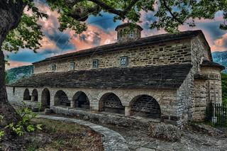 Ιερός Ναός Ταξιαρχών Μικρό Πάπιγγο Holy Church of Taxiarhes Small Papigo