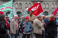 IMGP1324 (i'gore) Tags: firenze cgil cisl uil pensioni presidio sindacato libertà lavoro solidarietà diritti giustizia