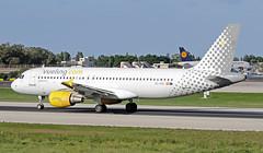 EC-HQI LMML 25-10-2017 (Burmarrad (Mark) Camenzuli) Tags: airline vueling airlines aircraft airbus a320214 registration echqi cn 1396 lmml 25102017