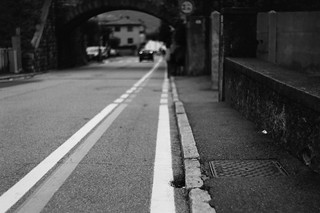 Walk the line (Leica M6)