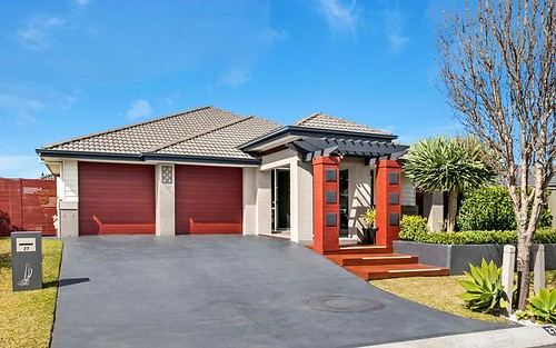 27 Athanlin Ave, Haywards Bay NSW