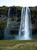 Islandia. Catarata Seljalandsfoss (monsalo) Tags: islandia monsalo catarata