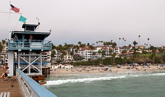 San Clemente Pier (Prayitno / Thank you for (12 millions +) view) Tags: konomark pacific ocean beach shore line front san clemente sanclemente pier life guard station flag bandera bendera day time activity outdoor water fun southern california white sandy coastal