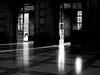 Sonne herein Lassen / Let the sunshine in (ingrid eulenfan) Tags: flickrfriday leipzig hauptbahnhof eingang licht light sonne westhalle schw blackandwhite letthesunshinein