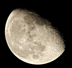 74% illuminated [Explored] (Sarah and Simon Fisher) Tags: waning gibbous moon moonwatch naturalsatellite lunar lunarseas craters telescope maksutov 127mm canon 600d primefocus singleshot clear night nightsky bromsgrove worcestershire uk astronomy astrophotography