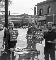 (animated stereo) CD1: Get out the vote! (Thiophene_Guy) Tags: utata:project=true2017 utata:entry=1 thiopheneguy originalworks realist stereorealist ilfordfp4plus