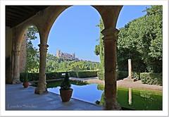 Vista del Alcázar de Segovia desde el Monasterio de Santa María del Parral (Lourdes S.C.) Tags: paisaje arcos alcázar de segovia estanques agua reflejos contraluz monasteriodesantamaríadelparral